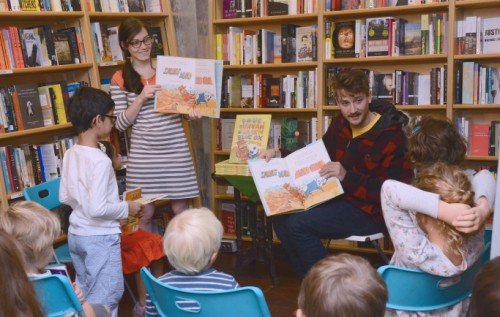 Matt reading to children.